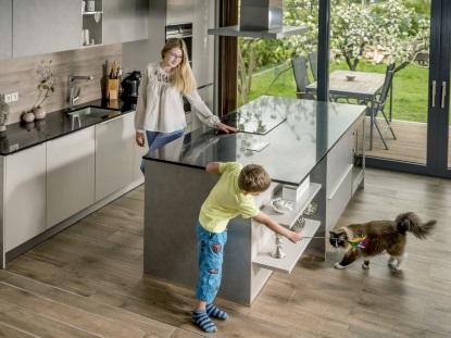 Hledáte nadčasový, kvalitní a udržitelný materiál na kuchyňskou linku a stěnu? Vsaďte na quartz