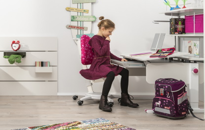 Vybíráme psací stůl a židli pro školáka