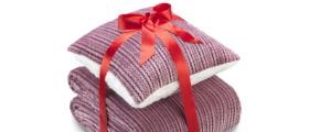 Soutěž o sadu polštáře a deky Warm Hug