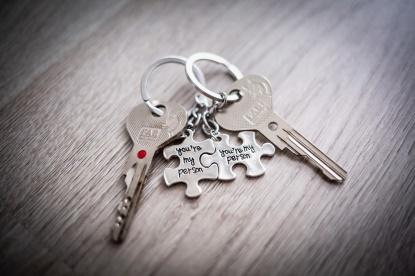 Dezinfikujte si klíče, viry na nich přežijí i několik dní