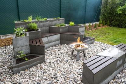 Jak zútulnit zahradu? Vytvořte kouzelná zákoutí sprvkem Playstone