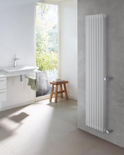 Flexibilní instalace díky dostupnosti modelů Zehnder Charleston Retrofit umožňuje náhradu starých radiátorů, bez nutnosti úprav stávajícího připojovacího potrubí.