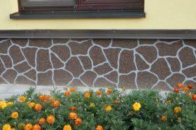 Originální sokl domu? Zkuste to s omítkou imitující obklad z kamene