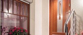 Zamykáním vchodových dveří porušujete požární předpisy