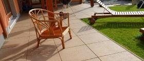 Snadná údržba betonové dlažby s povrchovou úpravou Perfect Clean TOP