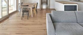 Hodí se dřevěná podlaha na podlahové vytápění?