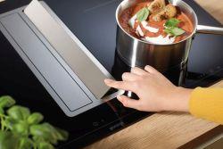 Užijte si během vaření více svobody  snovým odsavačem ve varné desce Gorenje Omniflex