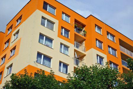 Komu svěřit rekonstrukci společných bytových prostor?