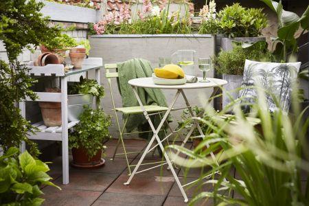 Jak proměnit městskou terasu v zelenou oázu