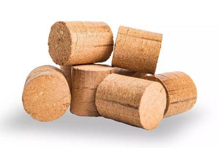 Využívejte pro topení dřevěné brikety a ušetřete