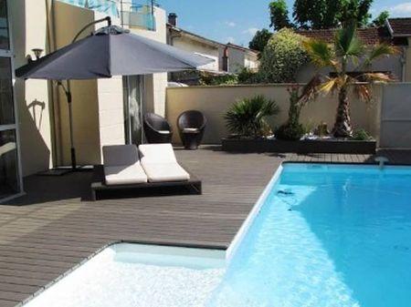 Terasová prkna Silvadec vykouzlí krásnou podlahu na terase i u bazénu