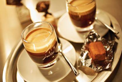 Kapsle vs. čerstvě mletá káva?