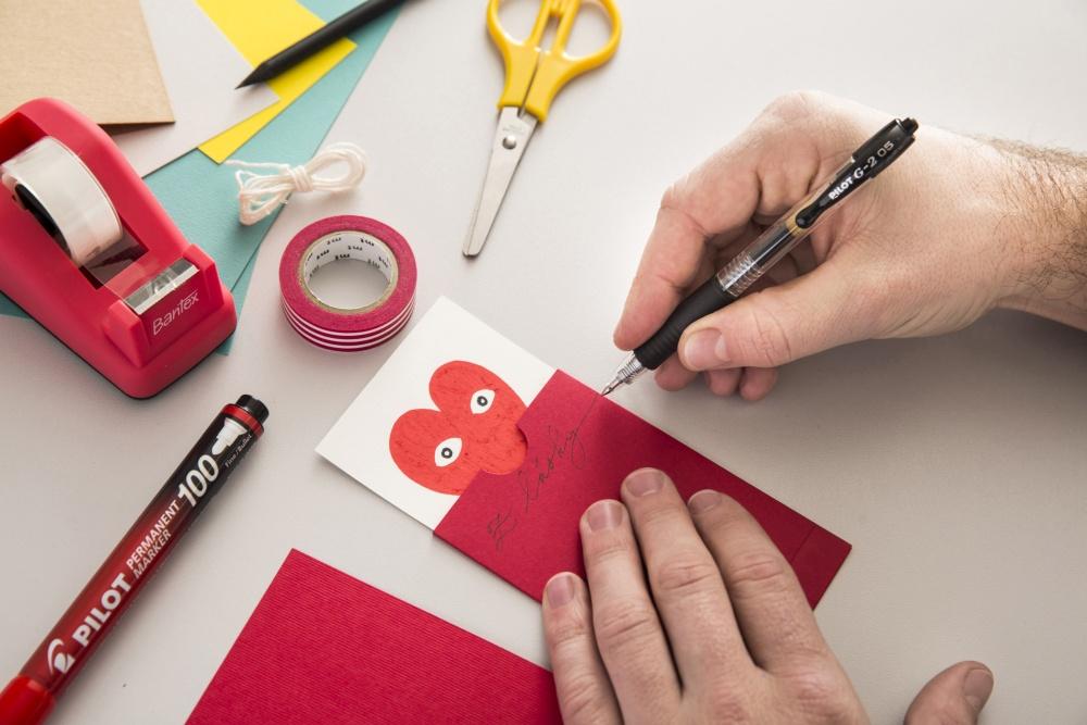 Vyznejte lásku ručně psaným milostným dopisem