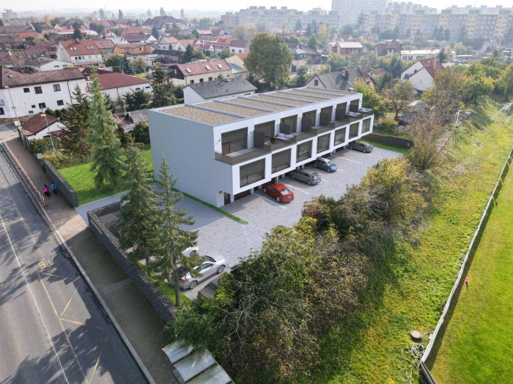 Sedm luxusních řadových domů na Praze 4 je právě v prodeji
