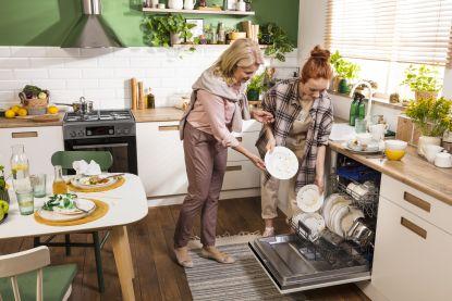 Hledáte nového pomocníka do kuchyně? Amica představuje novou řadu myček!