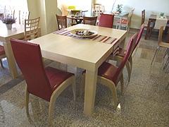 Na veletrhu se představí také česká firma Belterra, která vyrábí zejména kvalitní, designově zajímavé a cenově dostupný nábytek do jídelen