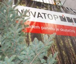 Novatop - v každém panelu je skutečný strom