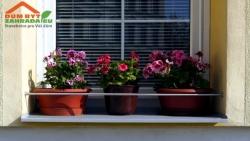 Jak upevnit truhlíky s květinami