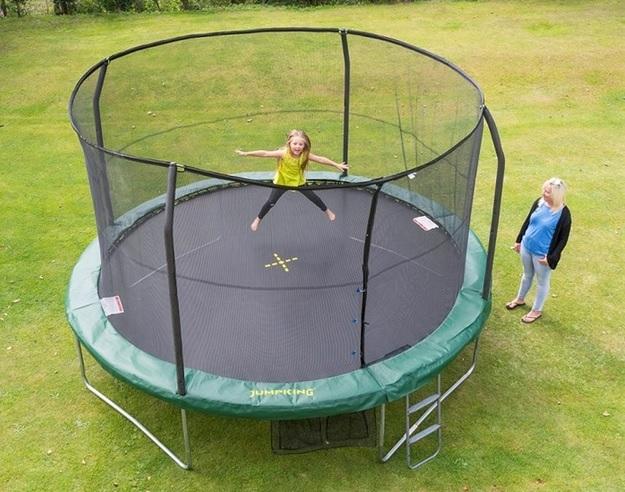 Trampolína JumpKING JumpPOD CLASSIC 4,2 M, cena: 11 990 Kč (www.trampoliny-jumpking.cz)