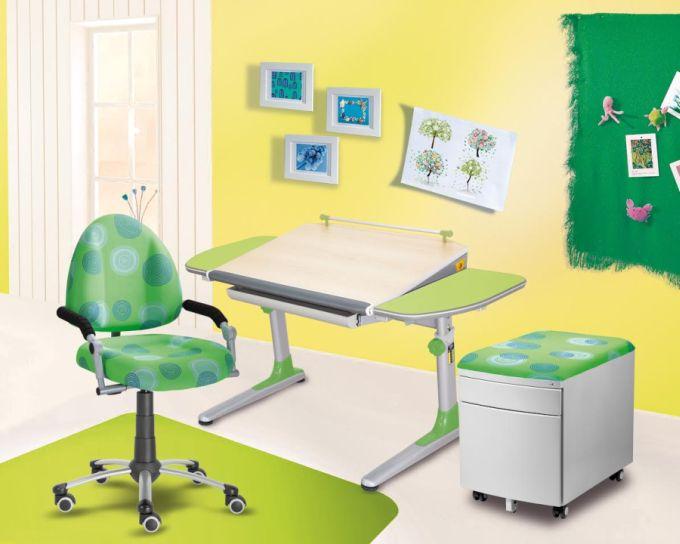 Typická sestava rostoucího nábytku