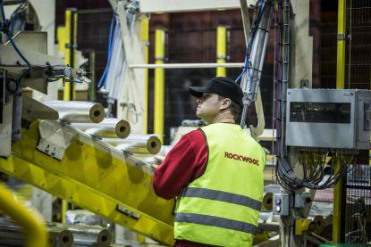 Rockwool investoval do modernizace a přijal 90 nových zaměstnanců
