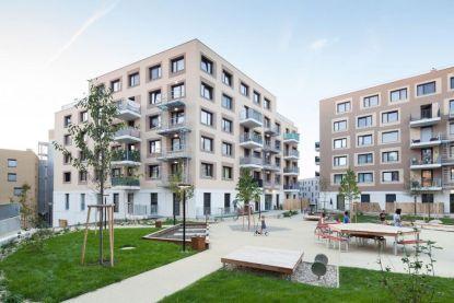 Dům pro život: vícegenerační model bydlení vjezerním městě Aspern na okraji Vídně