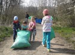 Pomozte s jarním úklidem svého okolí